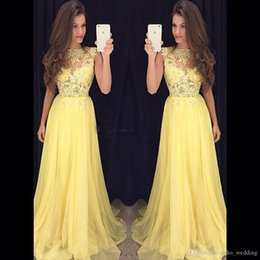 2017 Chiffon giallo chiaro Prom Dress Sweep treno Sheer Neck Zipper posteriore paillettes che borda una linea formale abito da sera abito da sera lungo da