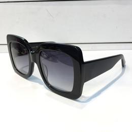 Argentina 2018 gafas de sol populares de lujo para mujeres diseñador de la marca 0083S estilo cuadrado de verano marco completo de calidad superior protección UV color mezclado vienen con caja Suministro