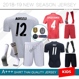 8b121a4f84a 2018 Real Madrid KID Youth kits REAL MADRID Soccer Jerseys peligro MODIC  LUCAS MORATA BALE KROOS ISCO BENZEMA Camiseta de fútbol niños calcetines