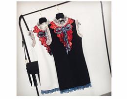 Vestido curto de ano novo mulheres marca Designer preto branco Lace vestidos 2018 Inverno elegante luxo arco lantejoulas Mini vestido supplier winter white dresses de Fornecedores de vestidos de inverno branco