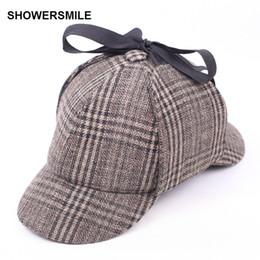 SHOWERSMILE Sherlock Holmes Hat Deerstalker Tweed Cap Accesorios de  vestuario Detective Hat Earflap Unisex Gorras planas Venta caliente  detective costumes ... 60636722c11
