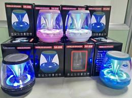 alto-falante de mão bluetooth Desconto M28 universal Alto-falantes Bluetooth Sem Fio Subwoofer Alimentado LEVOU Suporte de Luz TF Cartão FM MIC Mini Speaker Digital car hands-free 2019