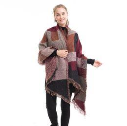 Envoltórios para mulheres de poncho de capa on-line-Pashmina Mulheres Cachecol Xadrez Xadrez De Inverno Quente Xale Capa Xale Wraps Cobertor Cobertor Quente Poncho Capes 50 pcs OOA5732