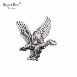 2019 chalecos personalizados 2017 Broches Moda Europea Americana Pin Owl Broches Personalizado Retro Chaleco de Plata Águila Insignia Traje de los hombres Broche X262 chalecos personalizados baratos