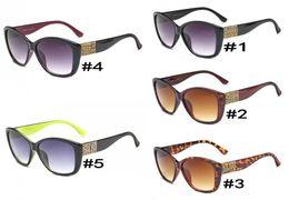 fdbd57b9b0 2018 New Fashion Sunglasses Women Oval Style Sun Glasses For Men Classic  Retro Shades Famous Brand Designer Sport Eyewear 2894