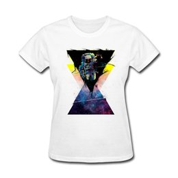 Argentina Camiseta de mujer Diseño propio Black Hole Triangle In Space Camiseta de mujer Gift Funky Camisetas Site Sexy Women Black Shirts supplier sexy black shirt holes Suministro