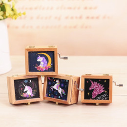 Wholesale Gift Box For Ornament - Unicorn Music Box Wooden Mechanical Musical Box Mini Hand Crank Music Box Mechanism For Gift Child birthday Christmas gift