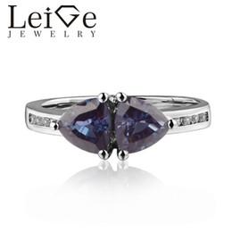 2019 anelli di alexandrite 925 Argento Lab Alessandrite Anello Trillion Cut Prong Impostazione cambiando colore Gemstone Anelli di fidanzamento per le donne Regali romantici sconti anelli di alexandrite