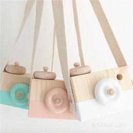 2019 классные мини-камеры Детские деревянные моделирования камеры дети прохладный путешествия мини-игрушки 2018 милый безопасный подарок на День Рождения мультфильм аксессуары детская комната 8 цветов C3703 дешево классные мини-камеры