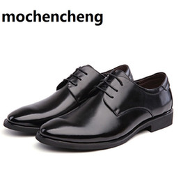 2020 повседневная зимняя свадебная одежда new Men Dress Shoes Leather with Fur Shoes Male Casual Winter Lace Up Pointed Toe Oxford Casual Wedding Formal flat скидка повседневная зимняя свадебная одежда