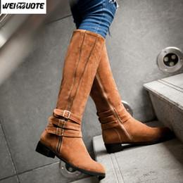 9db641a26bd WEINUOTE Otoño Invierno Nueva Moda Mujer  Martin Knee Botas Altas Mujer  Talones Cuadrados Knight Boots Chicas Flats Suede Sexy botas de invierno  sexy niñas ...