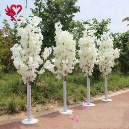 1.5M 5 piedi altezza bianca artificiale Cherry Blossom Tree Colonna romana conduce per centro commerciale aperto Matrimoni da
