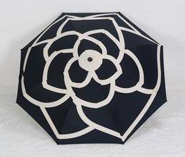 2018 Новый женский зонтик Роскошный бренд Складной зонт Камелия Цветочный зонтик Зонтик Зонтик с сумкой Цветение камелии от Поставщики зонтичные сумки