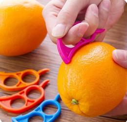 Sevimli Fare Şekli Limonlar Turuncu Narenciye Açacağı Soyucu Sökücü Dilimleme Kesici Hızla Sıyırma Mutfak Aracı Meyve Cilt Sökücü Bıçak cheap skin strips nereden cilt şeritleri tedarikçiler