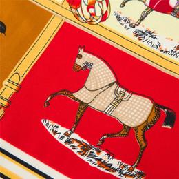 2019 carré de soie à cheval Écharpe d'impression de dix chevaux Real Satin Silk Foulards Carré 60cm Classique Twill Multicolor Femme Châle Wraps 7 52mt Y carré de soie à cheval pas cher