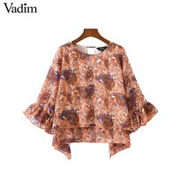 2019 blusas de senhora Vadim mulheres elegante floral blusa de chiffon babados solto-encaixe manga o pescoço backless shirt senhoras verão chique top blusas LA158 blusas de senhora barato