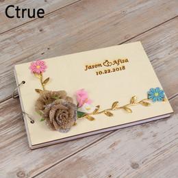 impronta digitale della pittura di nozze Sconti Personalizzato Wreath Wedding Guest Book regalo per coppie fai da te rustico Guest Book Bridal Shower Gift Vintage libro di nozze in legno