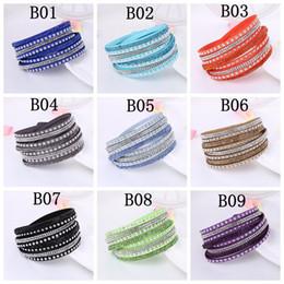 Bracelets colorés en strass en Ligne-Perçage à chaud en cuir Rivet flanelle bracelets Dames élégantes Multi-couche en cuir Wrap Bracelets Femmes strass Bijoux Cadeaux colorés
