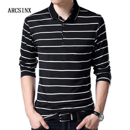 Camiseta de manga larga a rayas negras online-ARCSINX Camisa a rayas para hombre Camisa de manga larga para hombre Primavera Otoño Invierno Manga larga para hombre s Slim Fit Black Tees