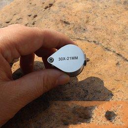 Lupas de metal online-30X21MM Metal Lupa Lupa Spinner Joyas Plegables Evaluación Lupa Lente de Vidrio Enlarge Gafas Con Gancho Gadget Al Aire Libre 7 8at Y