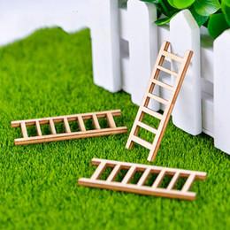 2019 miniature Mini scala di legno Miniature Fairy Garden Accessorio Fai da te Zakka Fornitura Bonsai Pianta in vaso Decorazione Moss Micro Ornamenti paesaggistici sconti miniature