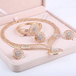 Ensembles de bijoux nigérians en Ligne-Dubai Gold Jewelry Sets Mariage Nigérian Perles africaines Cristal Bijoux De Mariée Set Strass Parure Bijoux Éthiopiens
