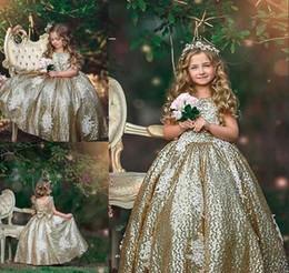 Sequin di fiore design online-Abiti da ragazza a fiore con paillettes dorate 2019 Perle gioiello Disegno posteriore Abito da prima comunione Abito da spettacolo Bambino Vestito da occasione speciale Toddler