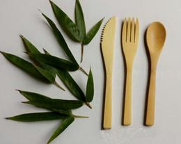 Tenedores cubiertos online-Juegos de cubiertos de bambú Comida occidental Cubiertos Respetuoso con el medio ambiente Cuchillo de bambú Tenedor Niños Comida Cuchillo Tenedor Caja fuerte Cubiertos Cubiertos