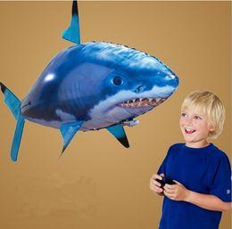 24 шт./лот Оптовая ИК RC воздуха пловец акула клоун Летающая рыба сборка клоун рыбы пульт дистанционного управления воздушный шар надувные игрушки для детей от Поставщики летучая рыбная игрушка оптом