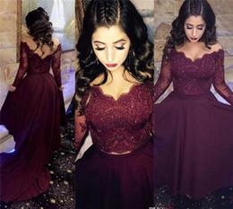 2019 cortar vestido de ilusão Duas Peças de Renda Vestidos de Baile com Mangas Compridas Fora Do Ombro Ilusão Frisada Lace Vestido de Noite Cortar Backless Vestidos de Festa cortar vestido de ilusão barato