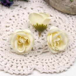 Decoraciones de coches de boda flores artificiales online-Boda 100pcs 4cm Fresh Rose Bud Artificial Flowers para DIY Car Party Home Handmade Wreath Crown Decoration DIY Scrapbook Craft