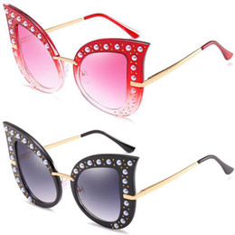 Wholesale Pearl Cat Eye Glasses - Personality Fashion Pearl Rivet Cat Eye Sunglasses Large Frame Sunglasses with Diamond Exquisite Luxury Glasses UV400 NICE FACE AAAA+++