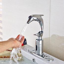 Couvercle de la plaque du robinet en Ligne-Robinet de salle de bains automatique de forme de dauphin de capteur pour l'eau froide avec plaque de recouvrement