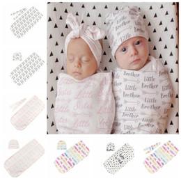 2019 fasce di cappelli appena nati delle neonate Baby Cocoon Sacco a pelo neonato Swaddle Coperta Baby Boy Girl Unisex Wrap Fascia o cappello 2 pz 1 set Swaddle Coperta KKA5966 fasce di cappelli appena nati delle neonate economici
