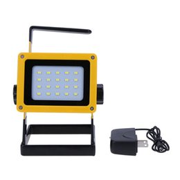 Discount led projection floodlights - Wholesale-Waterproof Outdoor Emergency Led Spotlight Rechargeable 20 LED Floodlight Searchlight Projection Lamp Powerd by 3 18650 Battery