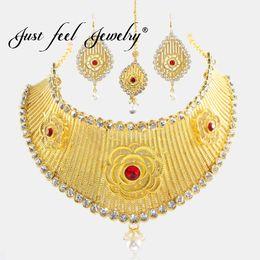 gold halskette für indische hochzeit Rabatt NUR GEFÜHL Kristall Gold Farbe Große Schmuck Sets Kopfschmuck Halskette Ohrringe Indische Blume Nachahmung Perlen Set Hochzeit Für Frauen