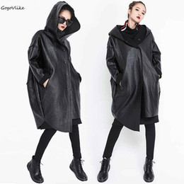 Черные кожаные пальто онлайн-Fleece PU leather trench coat Hooded 2018 Women Black Irregular Coat casual Warm Windbreaker Outwear Big Size Winter LT053S50