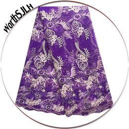 dentelle africaine lilas Promotion Nouveau Designs 3d Tulle Dentelle Tissu Français Guipure Suisse Cordon Dentelle Tissu 2018 Africain Lilac Violet Dentelle Tissu Avec Perles