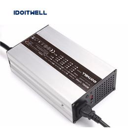 2019 balance numérique chargeur rc Chargeur de batterie adapté aux besoins du client de série 900W 12V 40A 24V 25A 36V 18A 48V 15A 72V 10A 84V 9A pour la batterie au plomb acide au lithium ou la batterie LifePO4
