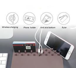 2019 slip pads für handys 3 in 1 Handy Ladegeräte QI Wireless Lade Mouse Pad Anti Slip Halter Geeignet für iPhone X für sumsung note 8 OTH151 günstig slip pads für handys