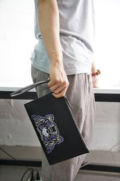 Wholesale clutch head - with box 2018 KENZ Clutch bag men women Unisex genuine leather limited edition Tiger Head Embroidery handbags fashion street outdoor bags
