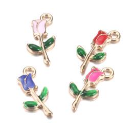 2018 New Charms Großhandel Elegante Bunte Rose Gold Emaille Charms Blume Schmuck Charms Halskette Anhänger edlen Schmuck machen für Mädchen Geschenk von Fabrikanten