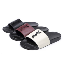 sommersandalen neues design Rabatt Leder Mode Neue Hausschuhe Sommer PU Sohle Luxusmarke Design Slipper YS Brief EUR 35-40 Sandale Home Schuhe