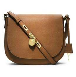Wholesale famous message - 2018 High quality lock handbag fashion women famous brand crossbody bag luxury designer saddle purse lady hasp message bags female