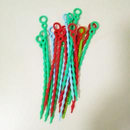 2019 tiranti per borse Cravatte in silicone per tutti gli usi Cinghia a tracolla Cucurbit Design Riutilizzabile Sacchetto di immagazzinaggio alimentare Twist Saver Cottura Corda di tenuta Clip 20CM tiranti per borse economici