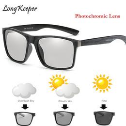 8589bc68a6fb2 Condução Polarizada Photochromic Óculos De Sol Dos Homens Chameleon Óculos  Retro Mulheres óculos de Sol mudar a cor Drivers Gafas de sol hombre