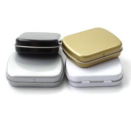 Weiße speicherdosen online-100 stücke 60 * 47 * 15mm Mini Blechdose Metall Aufbewahrungsbox Schmuck Fall Pralinenschachtel Geschenk Verpackungsbehälter Schwarz Weiß Silber ZA5196