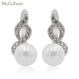 Oro blanco libre de níquel online-MxGxFam Smooth White Pearl Hoop Pendientes para mujeres elegantes Gold Color Hot Jewelry Lead y Nickel Free