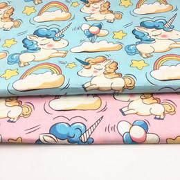 Yeni Unicorns Baskılı% 100% Pamuklu Kumaş Levha At Karikatür Patchwork Kapitone Bebek için Cribs Yastıkları Battaniye Dikiş Malzemesi nereden