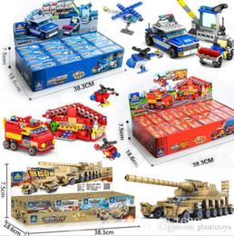macchine militari giocattolo Sconti 2018 New Building Blocks Combinazione di auto e robot Set Giocattoli per bambini 16 Set Engineering Military Police Cars